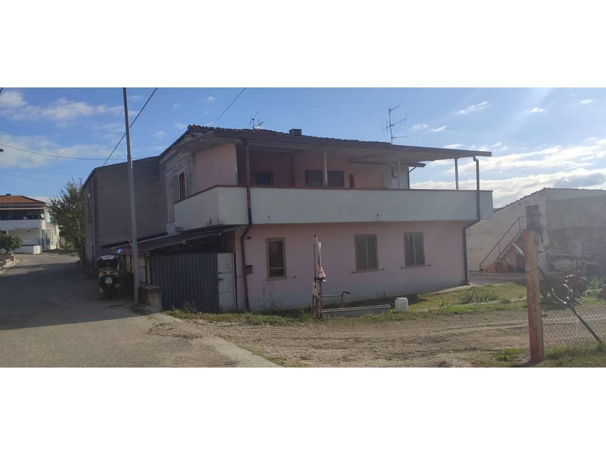 Casa indipendente in vendita in Contrada Collemezzano  a Rosciano - 5735760 foto 1