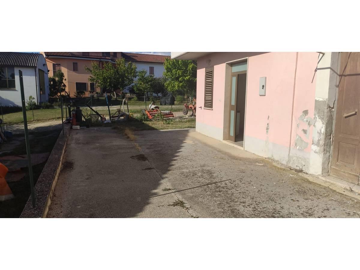 Casa indipendente in vendita in Contrada Collemezzano  a Rosciano - 5735760 foto 3